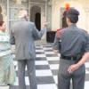 कांच के संग्रह को देख राज्यपाल मोहित