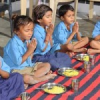 डीएवी के छात्रों की वेदान्ता आंगनवाडी के बच्चों से मुलाकात