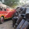 डामर के ड्रमों में आग