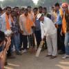 घोडे़ से मैदान पर पहुंच क्रिकेट टूर्नामेंट का उद्घाटन