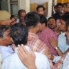 अधिवक्ताओं ने पुलिसकर्मियों से की मारपीट