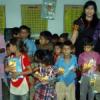 स्कूलों में ड्रेस व पोषाहार वितरण