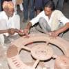 मिट्टी कला साधकों के साथ पहुंचे मूर्ति शिल्पकार भी