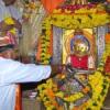 मंदिर में की पूजा अर्चना, युवा मोर्चा ने किया रक्तदान