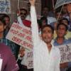 हत्या के विरोध में युवाओं ने निकाली रैली