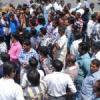 पुलिस द्वारा मुकदमा दर्ज करने के विरोध में प्रदर्शन