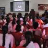 सेफ ड्राइविंग की छात्राओं को दी जानकारी