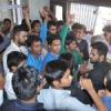 पुलिस ने छात्रों पर भांजी लाठियां