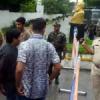 कामर्स कॉलेज में भिड़े छात्र, लाठियां भांज खदेड़ा