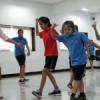 मुंबई के कोरियोग्राफर से डांस सीख रही बालिकाएं