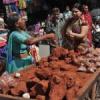 दीपोत्स़व की तैयारियों में सजे बाजार