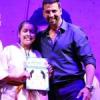 उदयपुर की राजनंदिनी अक्षय कुमार से सम्मानित
