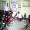 निराश्रित बालिकाओं को कराया भोजन