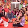 युवतियां शर्माई, युवकों ने दिया बेझिझक परिचय