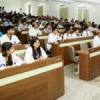 विद्यार्थियों को फ्रेंडशिप बैण्ड बांधकर किया स्वागत