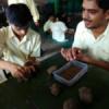 दिव्यांग बच्चों ने बनाए मिट्टी के गणपति