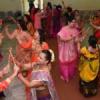 महिलाओं ने किया माता के भजनों पर डांडिया