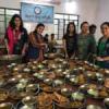 रोगियों के परिचारकों को कराया भोजन