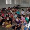 शिविरार्थी सीख रहे धार्मिक जैन क्रियाएं
