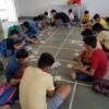 बच्चों ने सीखा कढ़ाई-बुनाई कार्य