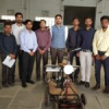 पेसिफिक के इंजीनियरिंग विद्यार्थियों ने बनाई सोलर लॉन मूवर मशीन